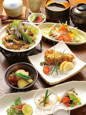 毎月替わりの和洋折衷ランチ「お昼の美食彩」