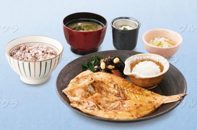 塩麹みりん漬け連子鯛の炭火焼き定食