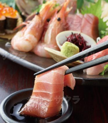 溢れんばかりの魚介を贅沢に!